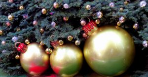 Christmas tree and bulbs
